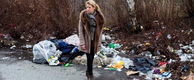 Anna König Jerlmyr vill avhysa tiggare pga att den misär de bor i inte ser trevligt ut. Var de ska ta vägen? Inte hennes problem, verkar hon tycka.